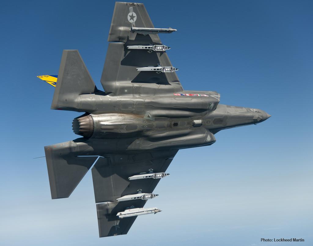 F-35 Lightning w payload visual